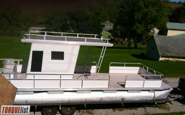 TORQUELIST - For Sale: Beautiful 28ft Rivera Pontoon boat